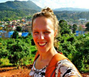 renee-in-myanmar-klein